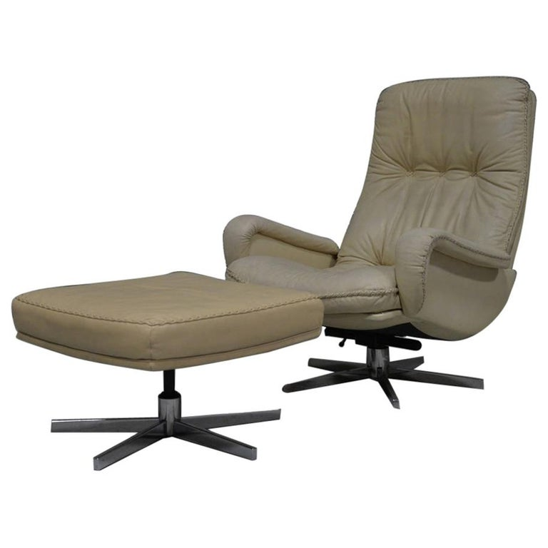 Vintage De Sede S 231 James Bond Swivel Armchair with Ottoman, Switzerland 1960s For Sale