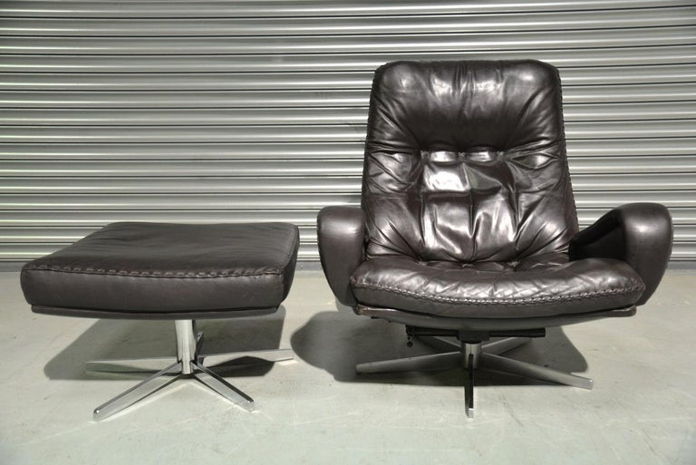 Mid-Century Modern Vintage De Sede S 231 James Bond Swivel Armchair and Ottoman, Switzerland 1960s