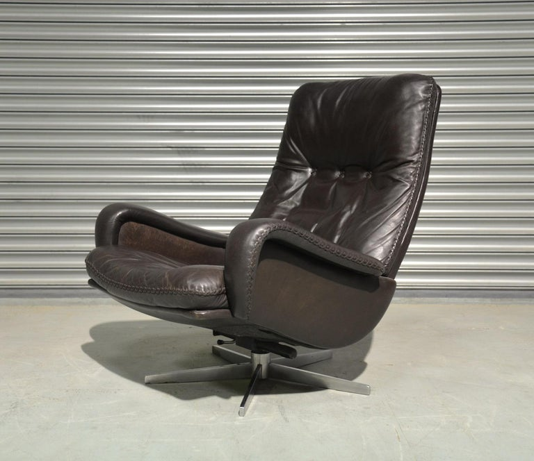 Mid-20th Century Vintage De Sede S 231 James Bond Swivel Armchair and Ottoman, Switzerland 1960s