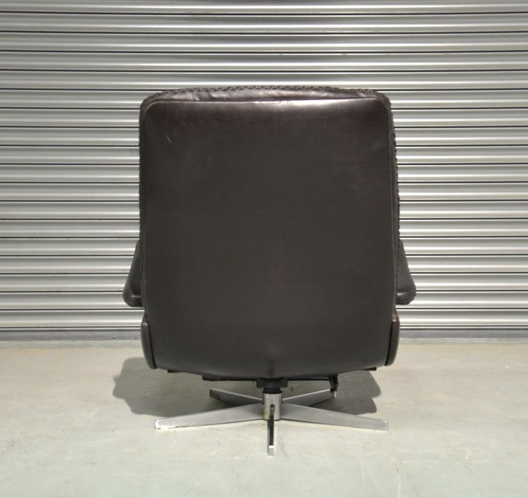 Vintage De Sede S 231 James Bond Swivel Armchair and Ottoman, Switzerland 1960s 2