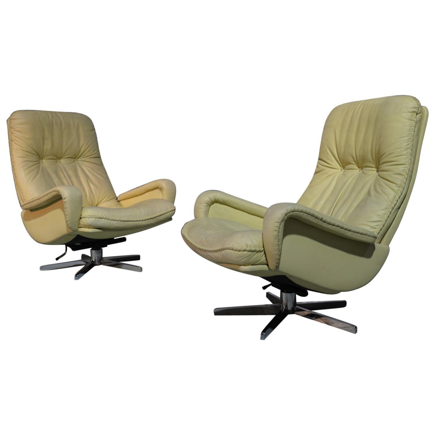 Vintage De Sede S 231 James Bond Swivel Leather Armchairs, Switzerland, 1960s