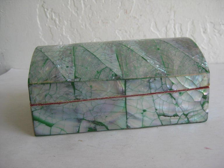 Vintage Decorative Crackled Natural Abalone Shell Desk Stash Jewelry Box In Good Condition For Sale In San Diego, CA