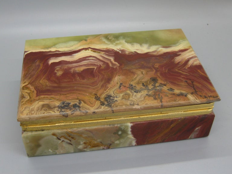 Vintage Decorative Natural Onyx Stone and Brass Desk Stash Jewelry Trinket Box For Sale 2