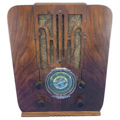 Vintage Decorative Silvertone Tabletop Radio with Plexiglass Back, Circa 1910