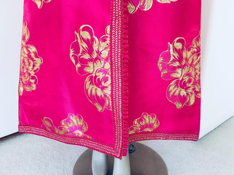 Vintage Designer Moroccan Caftan, Metallic Brocade Kaftan with Pink and Gold For Sale 4