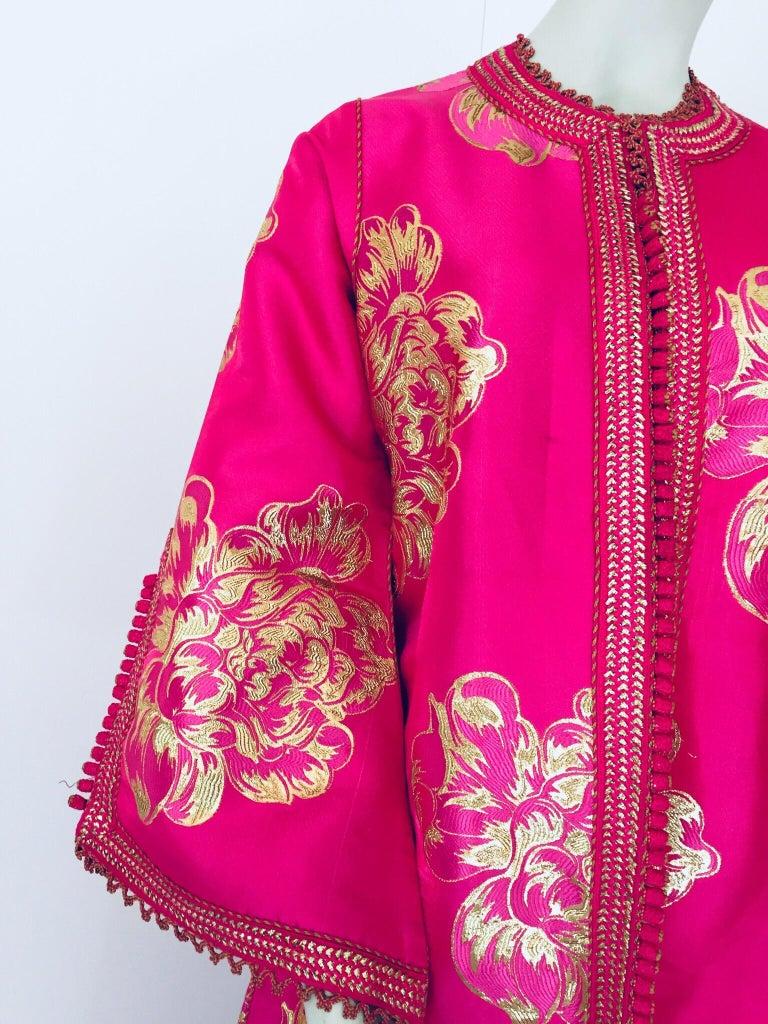 Vintage Designer Moroccan Caftan, Metallic Brocade Kaftan with Pink and Gold For Sale 7