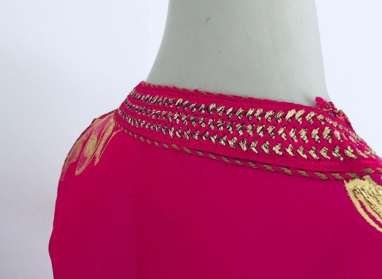 Vintage Designer Moroccan Caftan, Metallic Brocade Kaftan with Pink and Gold For Sale 8
