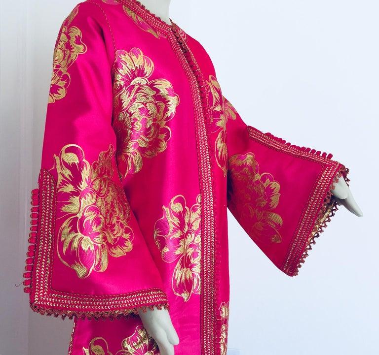 Vintage Designer Moroccan Caftan, Metallic Brocade Kaftan with Pink and Gold For Sale 10