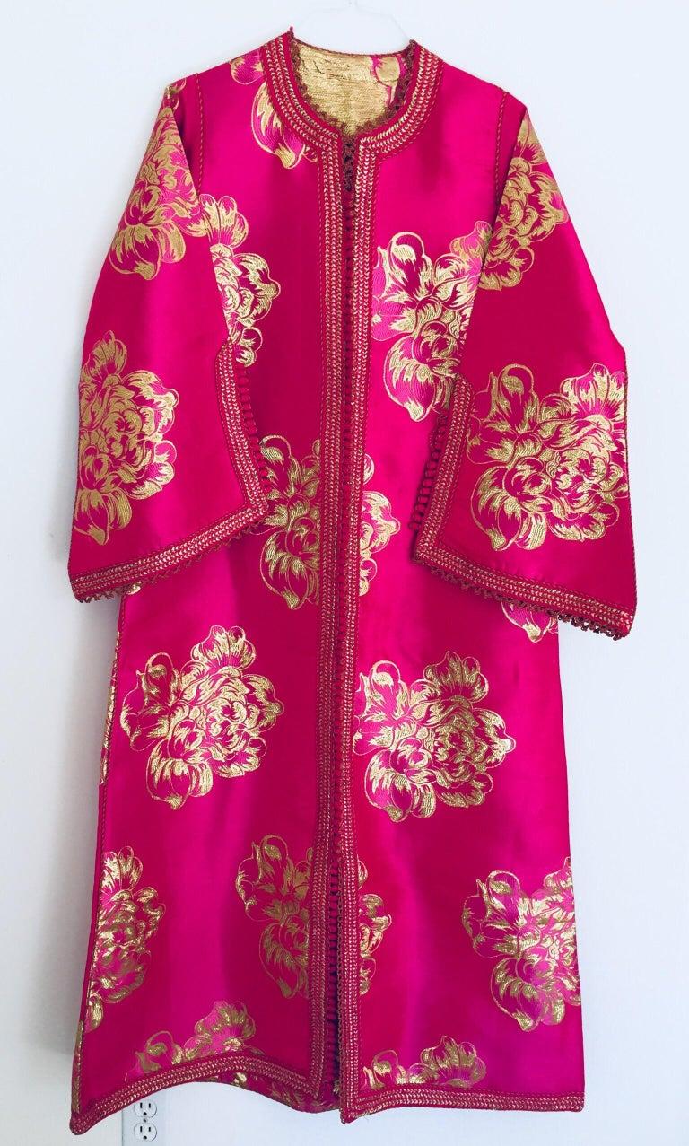 Vintage Designer Moroccan Caftan, Metallic Brocade Kaftan with Pink and Gold For Sale 11