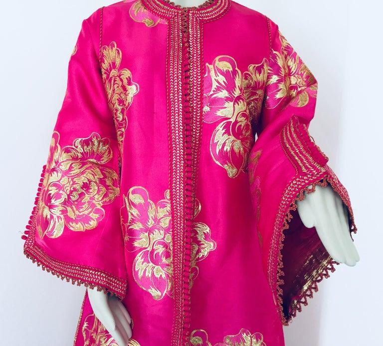 Vintage Designer Moroccan Caftan, Metallic Brocade Kaftan with Pink and Gold For Sale 1