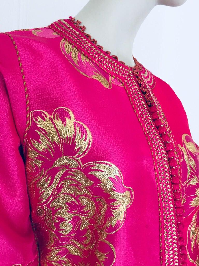 Vintage Designer Moroccan Caftan, Metallic Brocade Kaftan with Pink and Gold For Sale 2