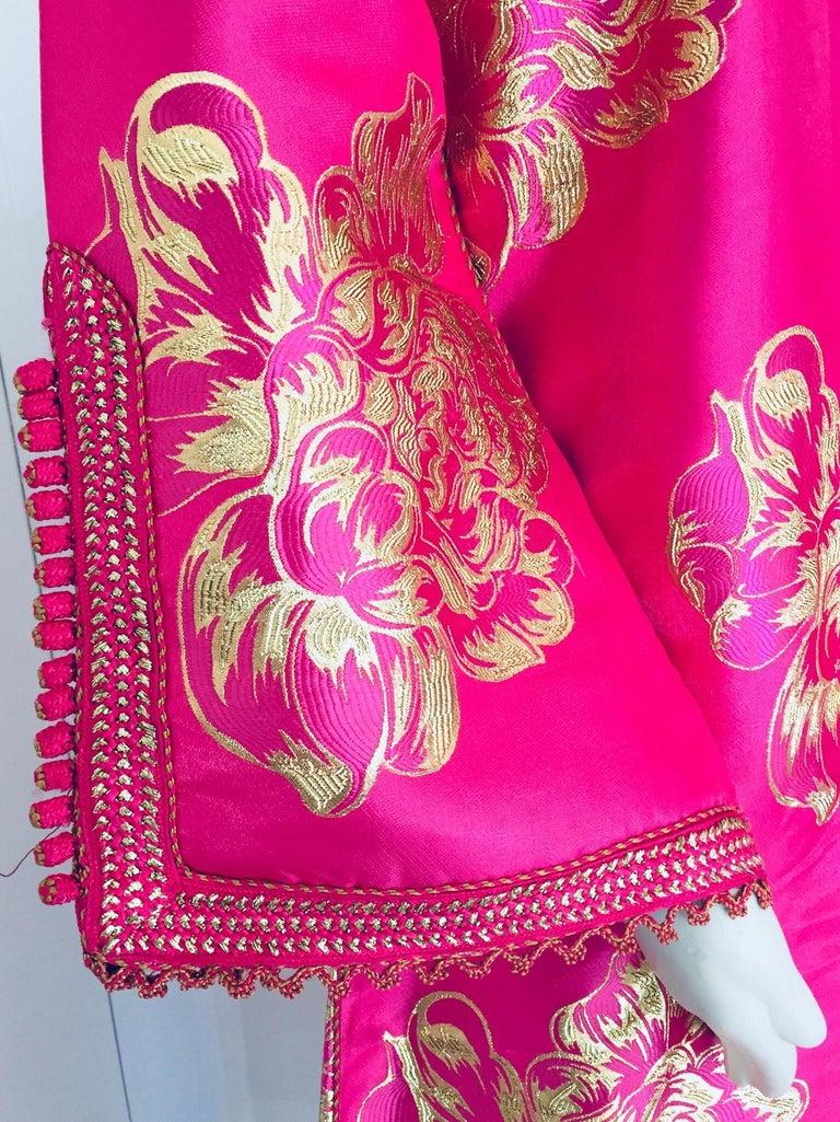 Vintage Designer Moroccan Caftan, Metallic Brocade Kaftan with Pink and Gold For Sale 3