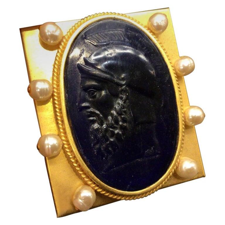 Vintage Designer Signed Linda Levinson Roman Coin Glass Medallion Golden Compact For Sale