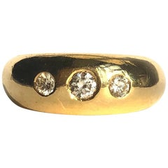 Vintage Diamond and 18 Carat Gold Three-Stone Gold Band