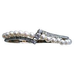 Vintage Diamond and Pearl 14 Karat Yellow Gold Hinged Bangle Bracelet 1.76 Carat