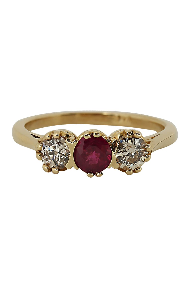 Round Cut Vintage Diamond and Ruby Three-Stone Ring For Sale