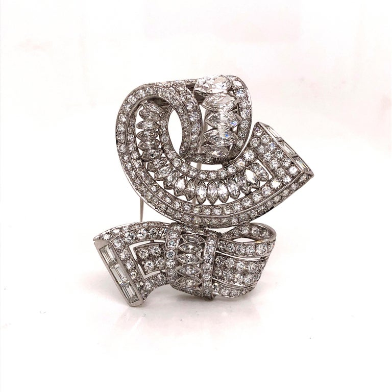 Vintage Diamond Brooch Platinum 15.00 Carat In Good Condition For Sale In MIAMI, FL