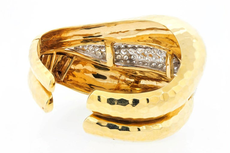 Vintage Diamond and Gold Cuff Bangle In Good Condition For Sale In Beverly Hills, CA