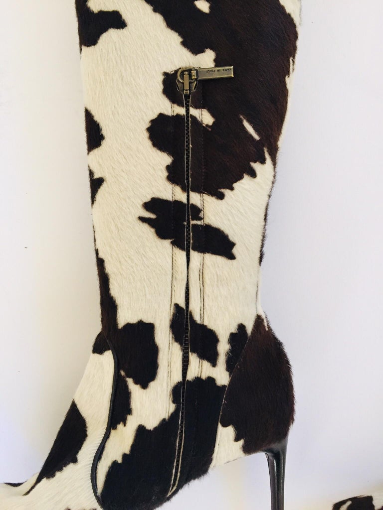 Vintage Dolce Gabbana Fitted Boots Animal Print In Good Condition For Sale In North Hollywood, CA