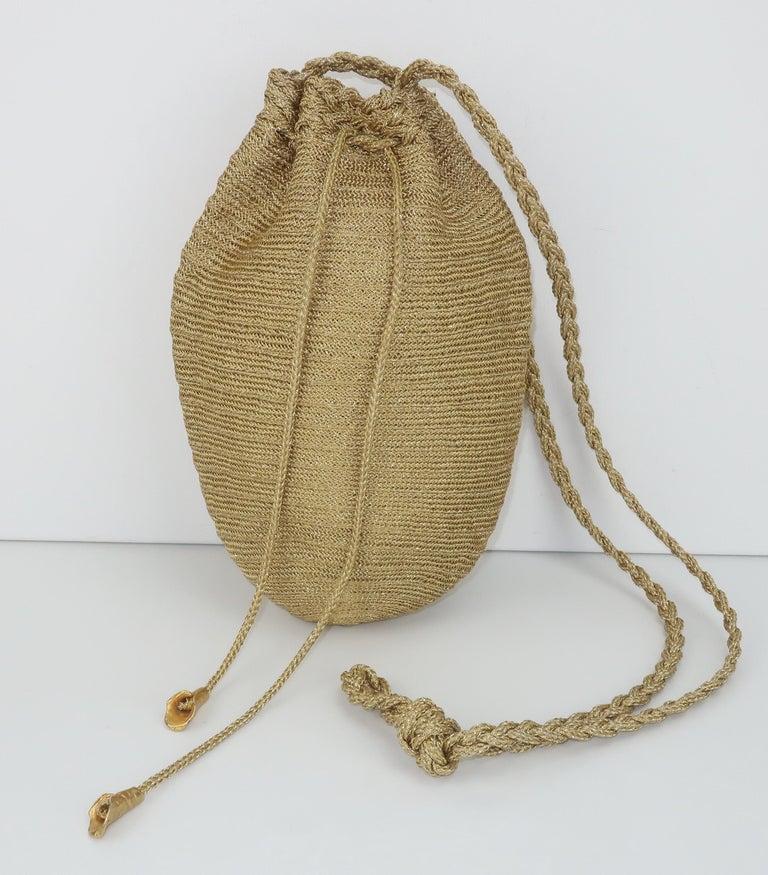 Vintage Donna Karan Gold Mesh Evening Handbag In Good Condition For Sale In Atlanta, GA