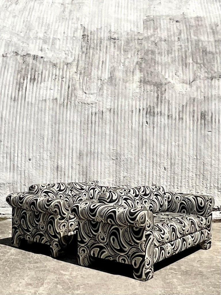 Vintage Dreyfuss Wool Jacquard Swirl Loveseats, a Pair In Good Condition For Sale In west palm beach, FL