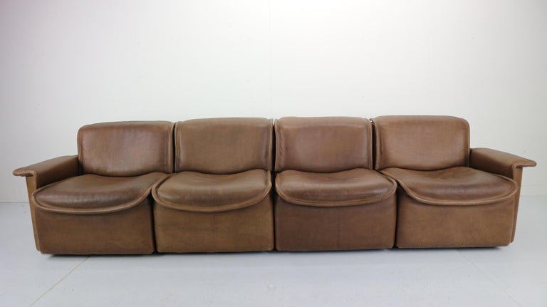 Vintage DS-12 Four-Seat Brown Leather Sofa by De Sede, Switzerland, 1970s In Good Condition For Sale In The Hague, NL