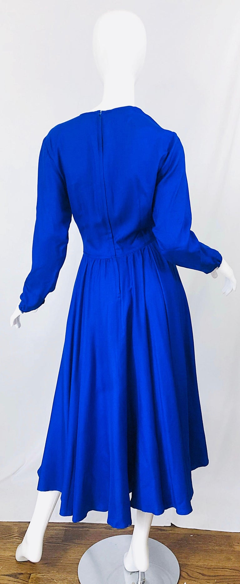 Vintage Dynasty Royal Blue Size 10 1970s Royal Bue Silk 70s Midi Dress In Excellent Condition For Sale In Chicago, IL