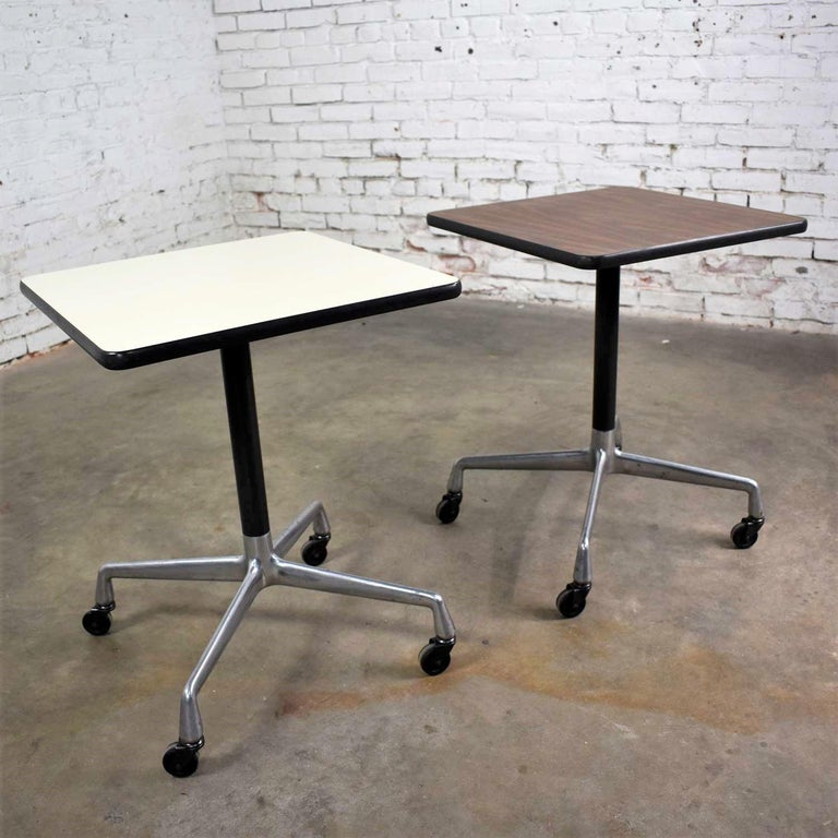 Vintage Eames for Herman Miller Square Rolling Side Table Universal Base In Good Condition For Sale In Topeka, KS