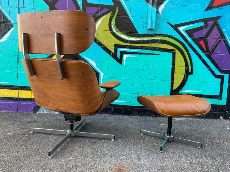 Mid-Century Modern Vintage Eames Style Lounge Chair and Ottoman by Plycraft