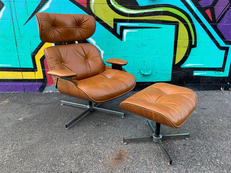 Vintage Eames Style Lounge Chair and Ottoman by Plycraft In Good Condition In Los Angeles, CA