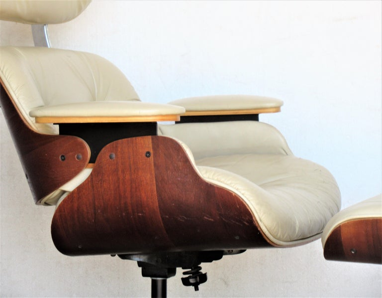 Mid-Century Modern Vintage Eames Style Lounge Chair and Ottoman For Sale
