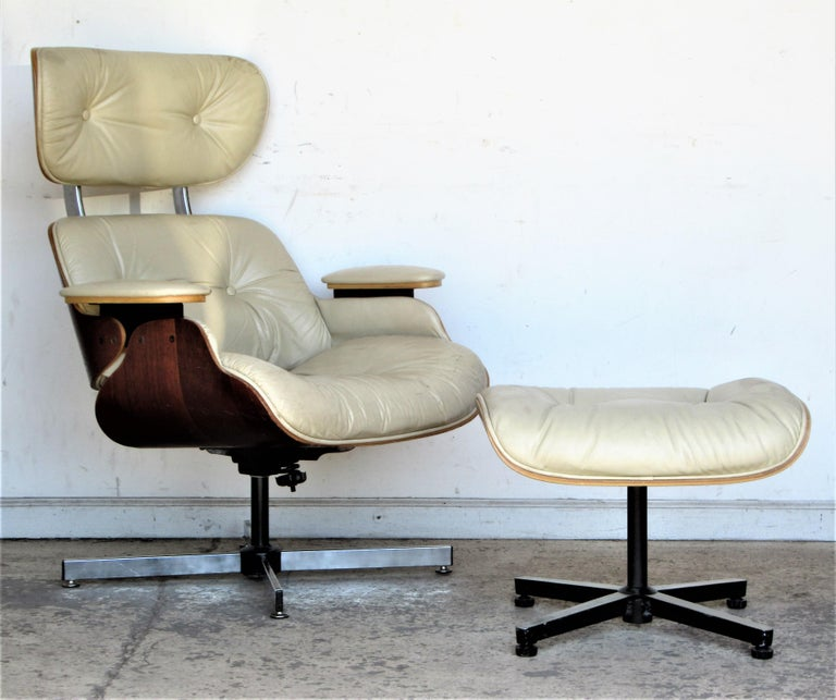 Vintage Eames Style Lounge Chair and Ottoman In Good Condition For Sale In Rochester, NY