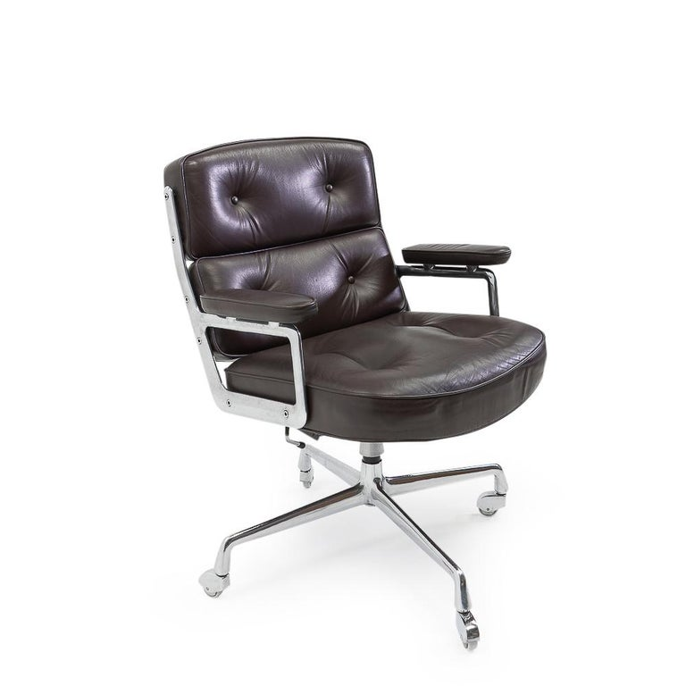 Mid-Century Modern Vintage Eames Time Life Lobby or Executive Chair, 1970s For Sale