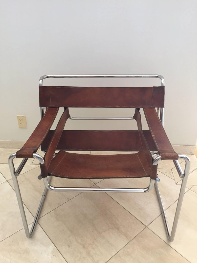 Bauhaus Vintage Early Original Marcel Breuer Wassily Chair for Knoll in Brown Leather For Sale