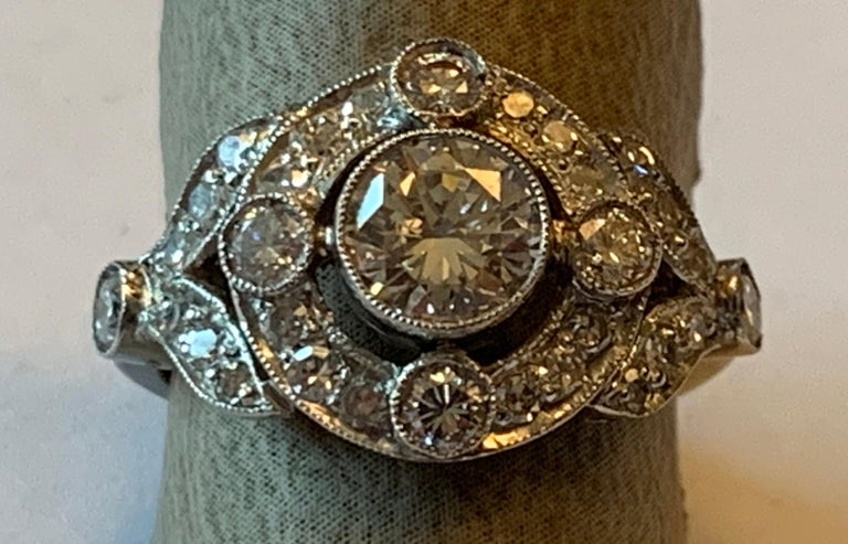Vintage Edwardian Platinum Engagement Diamond Ring In Good Condition For Sale In Zurich, Zollstrasse
