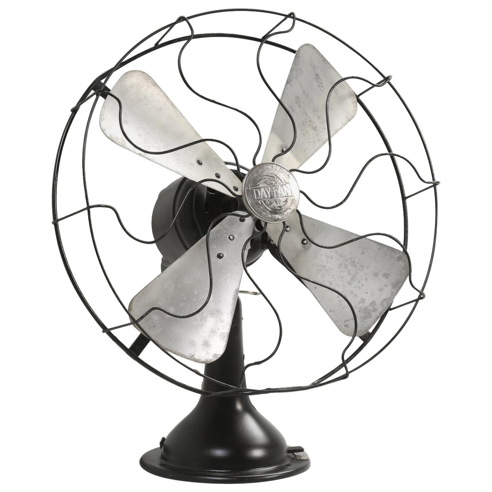 Vintage Electric Fan by the Day-Fan Company of Rochester, New York and it Works