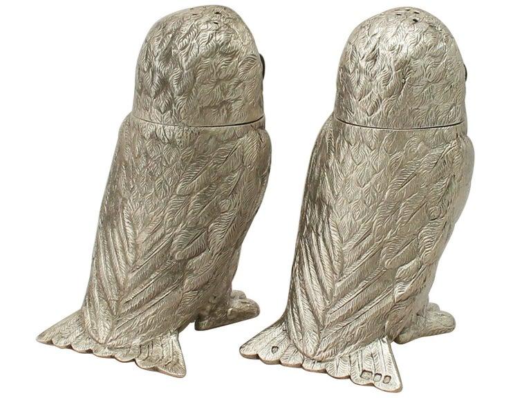 English Vintage Elizabeth II Sterling Silver Owl Pepperettes For Sale