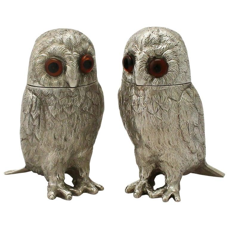 Vintage Elizabeth II Sterling Silver Owl Pepperettes For Sale