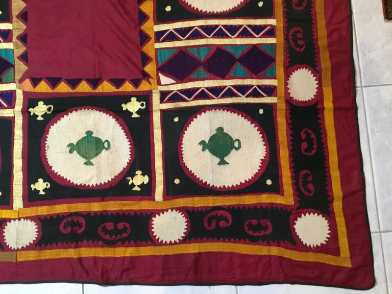 Vintage Embroidered Suzani Textile In Good Condition For Sale In Delray Beach, FL