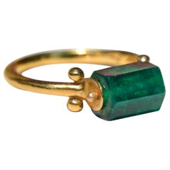 Vintage Emerald 14 Karat Gold Metropolitan Museum of Art Hellentisic Ring