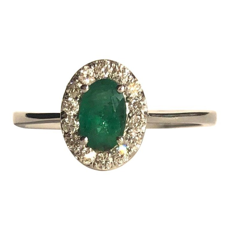 Vintage Emerald and Diamond 18 Carat White Gold Cluster Ring For Sale