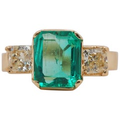 Vintage Emerald and Diamond 18 Karat Yellow Gold