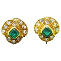 Vintage Emerald and Diamonds Yellow Gold Clip Stud Earrings