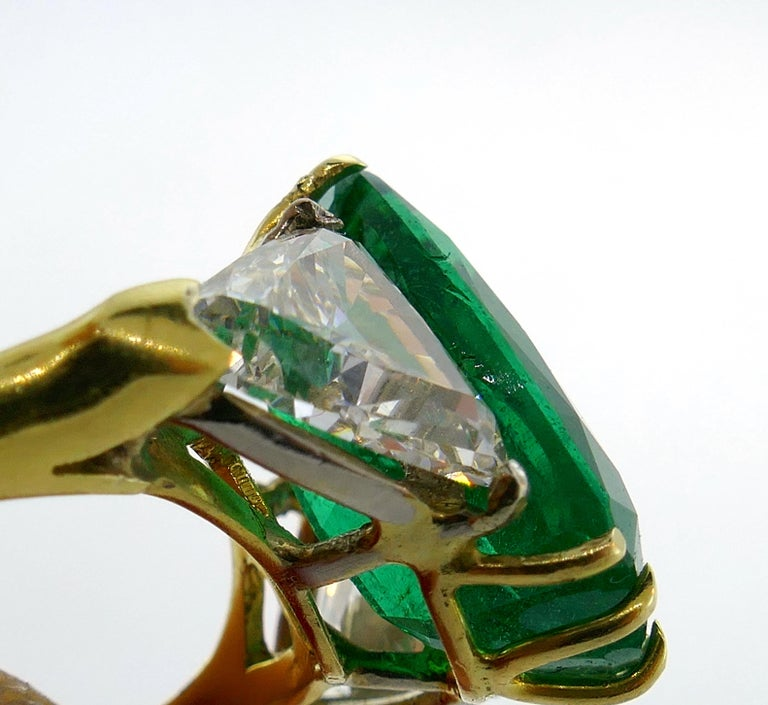 Vintage Emerald Diamond Gold Three-Stone Ring For Sale 6