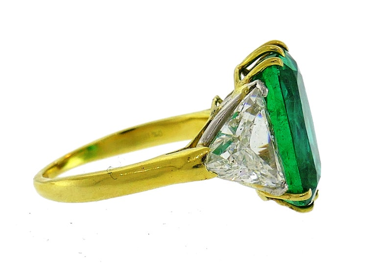 Women's Vintage Emerald Diamond Gold Three-Stone Ring For Sale