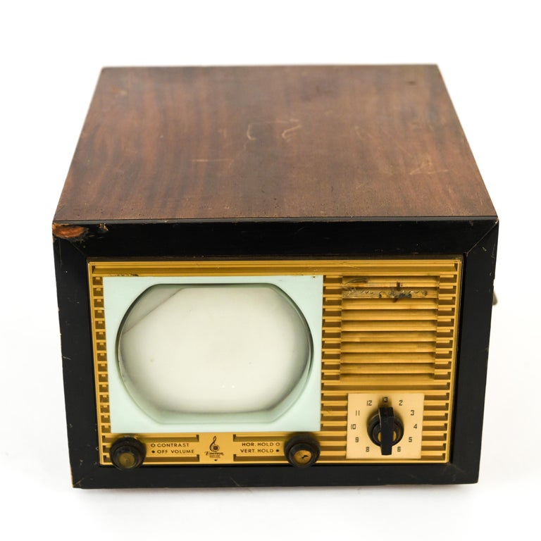 Have a blast from the past with this vintage Emerson TV. A fun nostalgic piece.