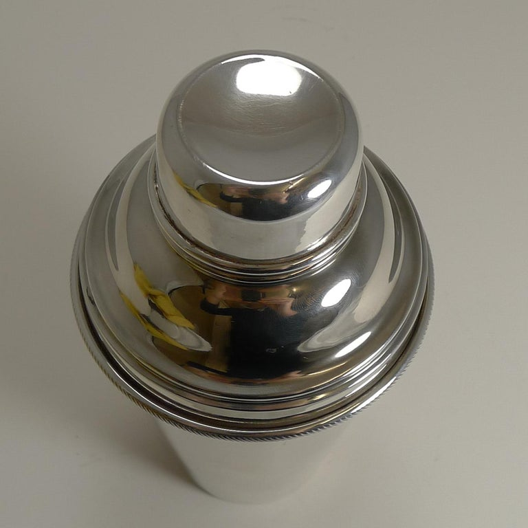 Mid-20th Century Vintage English Art Deco Silver Plated Cocktail Shaker with Integral Ice Breaker For Sale