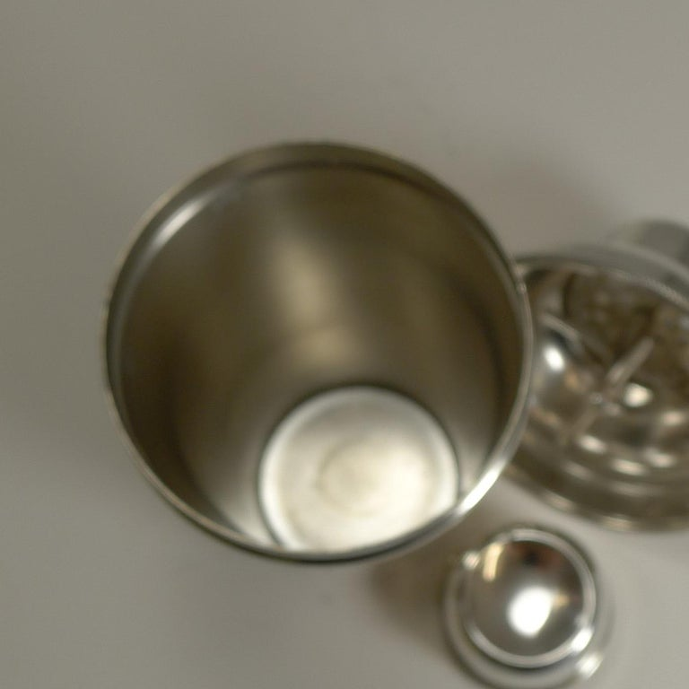 Vintage English Art Deco Silver Plated Cocktail Shaker with Integral Ice Breaker For Sale 3