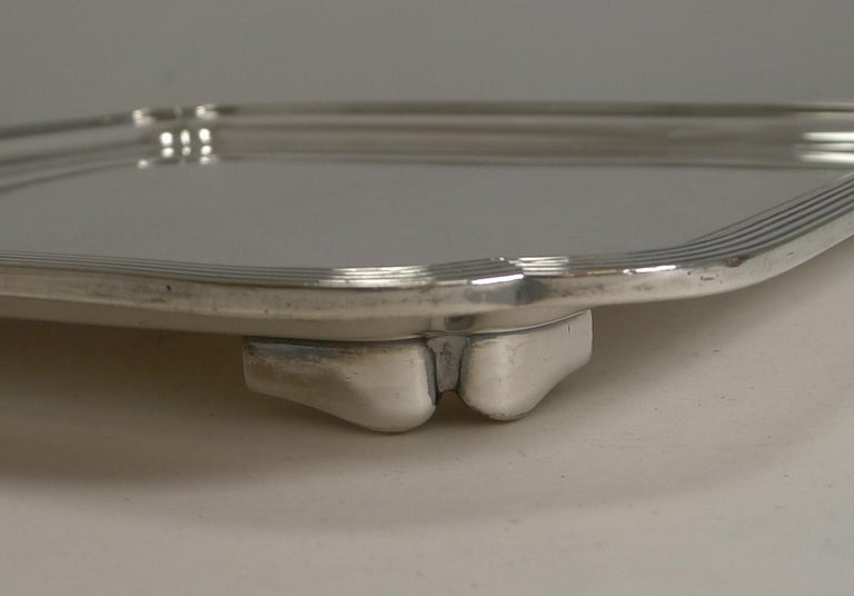 Mid-20th Century Vintage English Art Deco Silver Plated Square Salver / Tray by Elkington, 1938 For Sale