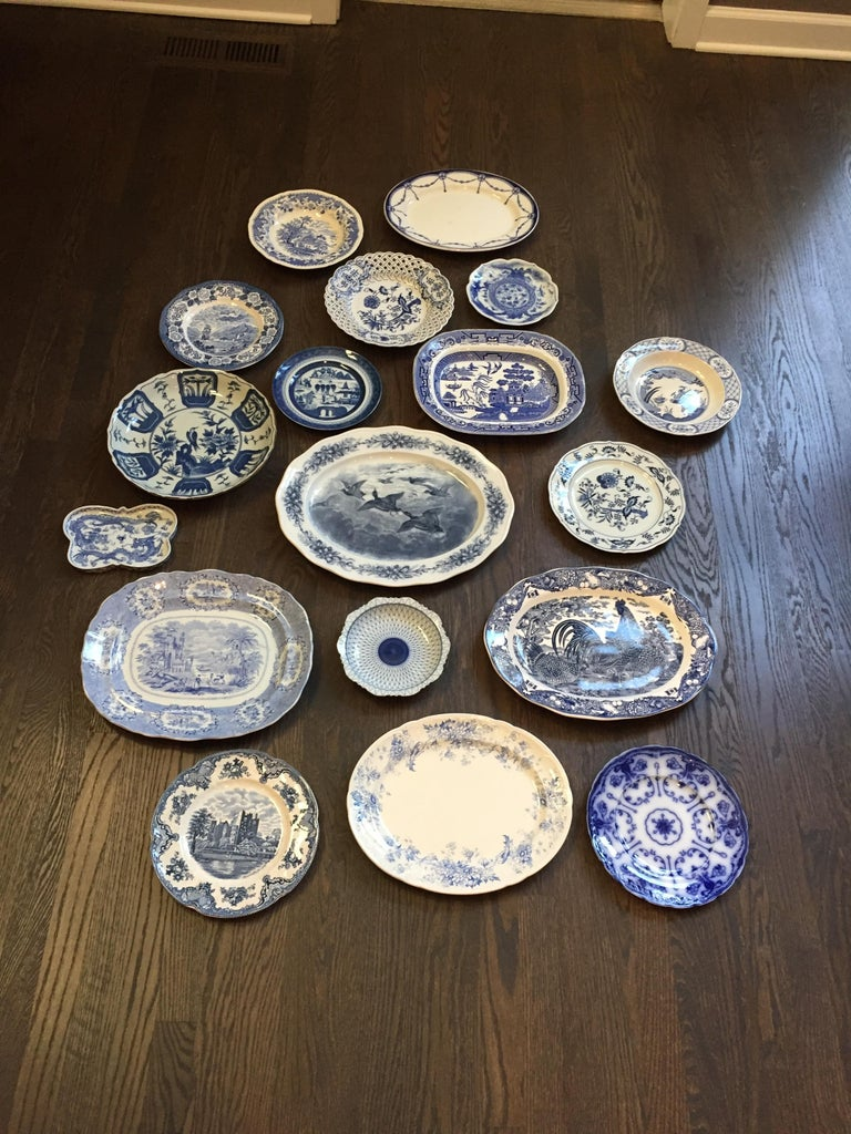 Chinoiserie Vintage English Blue and White Platter For Sale